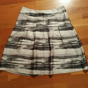 Like New H&M SilkyA Line Skirt W Gray White Black